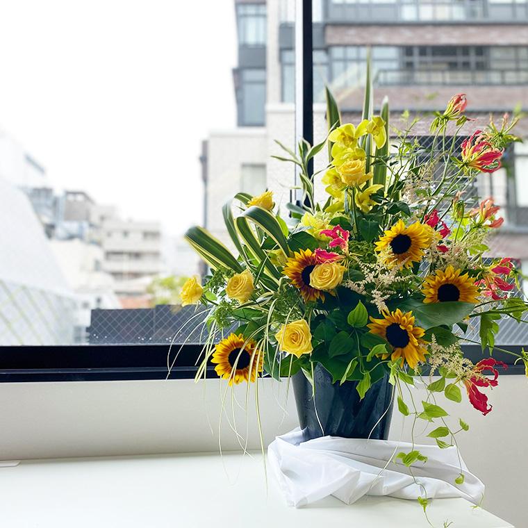 お花屋さんに行かなくても御社のスタイルに合うお花をお届けします